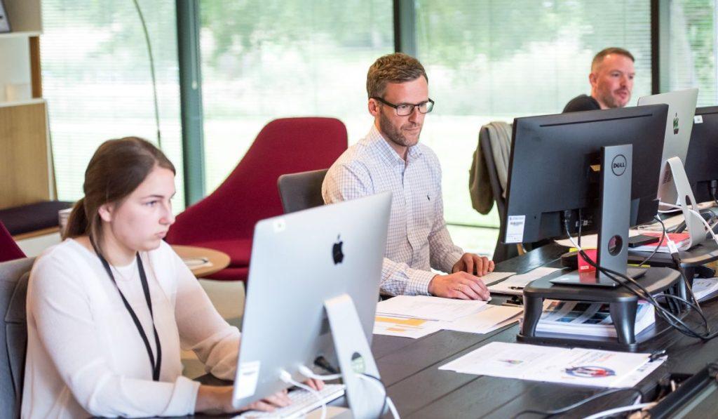 Arbeitskräfte für die Standorte deutscher Unternehmen  in Ungarn sind enorm entscheidend.